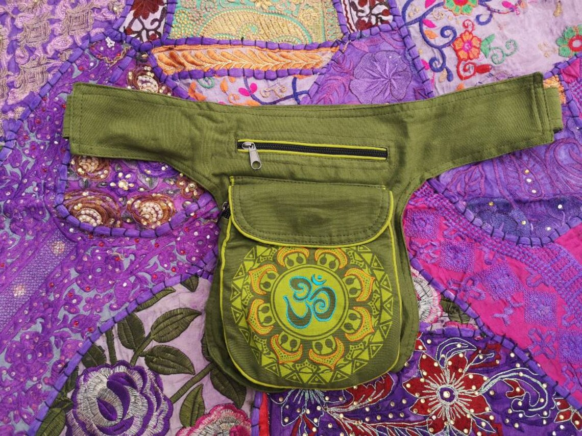 Om Pouch Bumbag Green