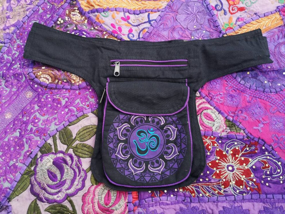 Om Pouch Bumbag Purple