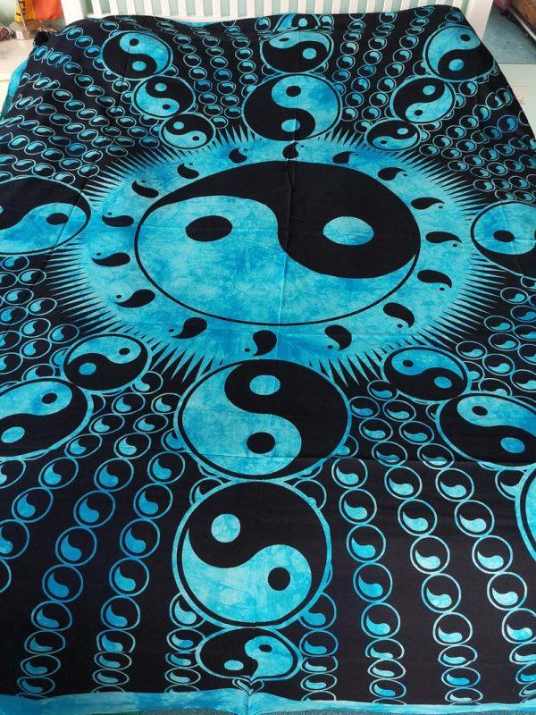 Yin Yang Throw Blue